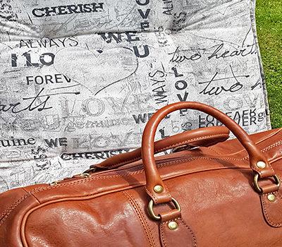 Reisetaschen / Koffer